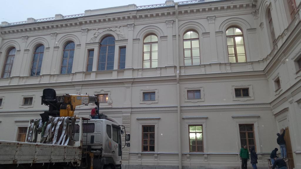 работы по реконструкции здания